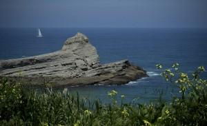 La playa de Galizano, en Ribamontán al Mar, Cantabria, fotografiada con la cámara Fujifilm X-pro1. Si pulsas sobre la imagen podrás conocer todas sus características. Fujifilm nos acompaña en el viaje. Podréis ver el resultado en el informe Destrucción a Toda Costa 2013 de Greenpeace.