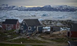 Construcciones típicas de los inuits, los habitantes de las tierras árticas de Groenlandia. © Pedro ARMESTRE.