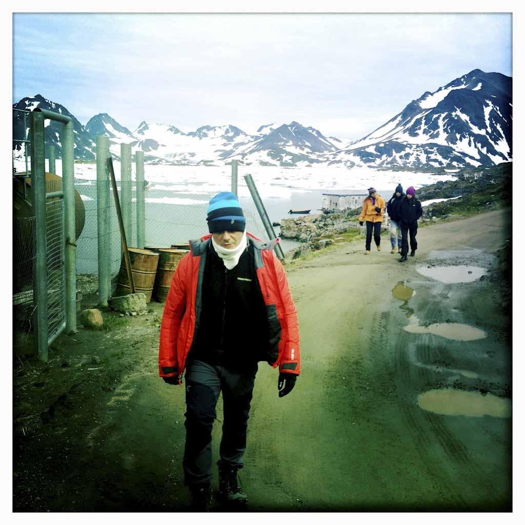 Alejandro Sanz, embajador de Greenpeace en el Ártico, acompaña a la expedición en este recorrido de denuncia medioambiental