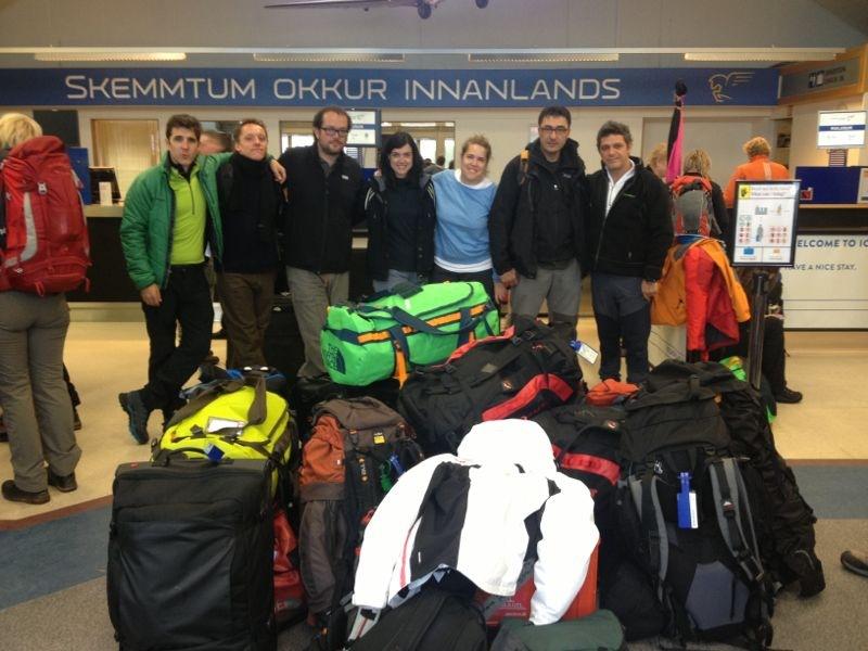 Parte de la expedición, a punto de embarcar a Groenlandia.