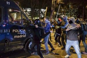 Pulsa sobre la imagen para leer la cobertura sobre aquella protesta pacifica que terminó y seguidamente llegaron los que deseaban aparecer en los periódicos.© Pedro Armestre-X