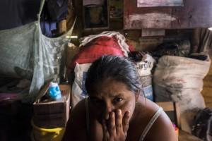25 noviembre 2014.  La familia de Ovidio Xol, cuya desaparición supuestamente está relacionada con la hidroeléctrica Renace. En Cobán (Guatemala) la hidroeléctrica española Renace se ha instalado con amenazas a la población y falsas promesas de desarrollo para la zona. La compañía también ha prohibido el acceso al río Cahabón para miles de personas y no ha respetado la estrecha relación de los indios mayas con el medio ambiente. Renace es una empresa guatemalteca, pero ha dado el contrato de la construcción de la hidroeléctrica a la empresa española Cobra (FCC). El proyecto ha dividido a la población entre partidarios y detractores. ©Calamar2/ Pedro ARMESTRE